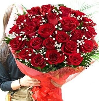 Kız isteme çiçeği buketi 33 adet kırmızı gül  Amasya çiçek gönderme sitemiz güvenlidir