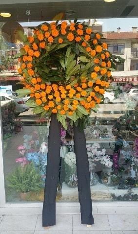 Cenaze çiçeği cenaze çelengi çiçek modeli  Amasya çiçek gönderme