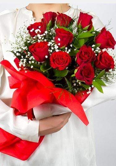 Aşk Gülleri 11 Adet kırmızı gül buketi  Amasya çiçekçi telefonları