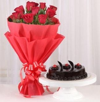 10 Adet kırmızı gül ve 4 kişilik yaş pasta  Amasya internetten çiçek satışı