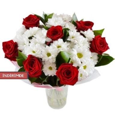 7 kırmızı gül ve 1 demet krizantem  Amasya çiçek gönderme sitemiz güvenlidir